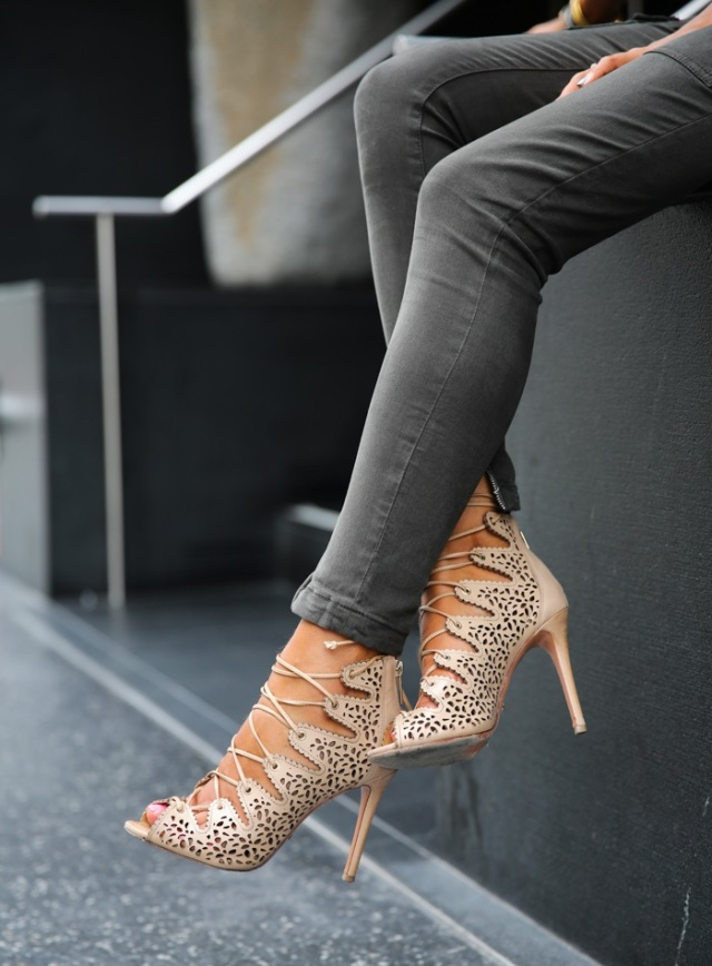 street-style-lace-up-heels-20